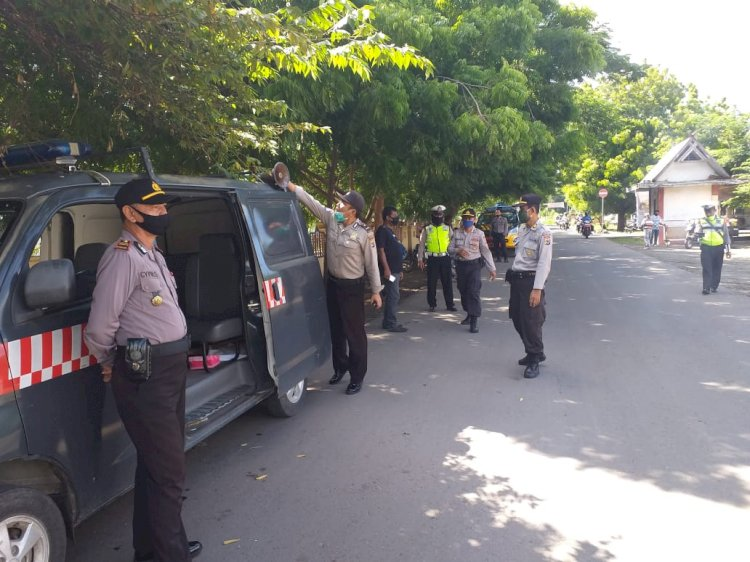 Sat Binmas Polres Sikka Kembali Turun Jalan Melakukan Himbauan Pencegahan Covid–19