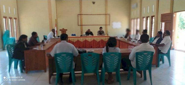 Kapolsek Waigete Hadiri Rapat Penanggulangan Karhutla Di Kec. Waigete