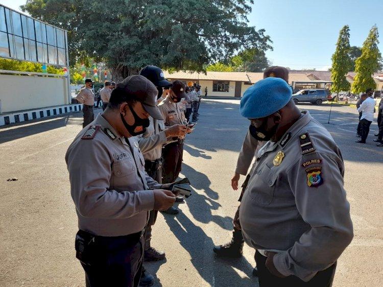 Sipropam Polres Sikka Lakukan Pemeriksaan Kelengkapan Diri Personil