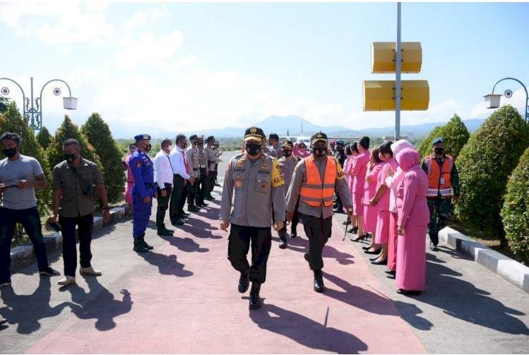 Tiba di Maumere, Kapolda NTT Disambut Hangat Oleh Kapolres Sikka