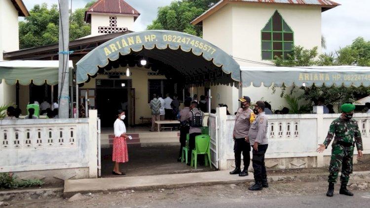 Kapolres Sikka Cek Langsung Pengamanan Misa Kamis Putih di Sejumlah Gereja di Kota Maumere
