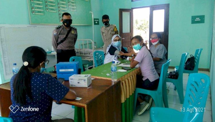 Polsek Alok amankan kegiatan vaksinasi tahap III untuk para tenaga kesehatan