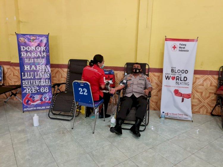 Sambut Hari Polisi Lalu Lintas Bhayangkara ke-66 Tahun 2021, Sat Lantas Polres Sikka laksanakan Donor Darah