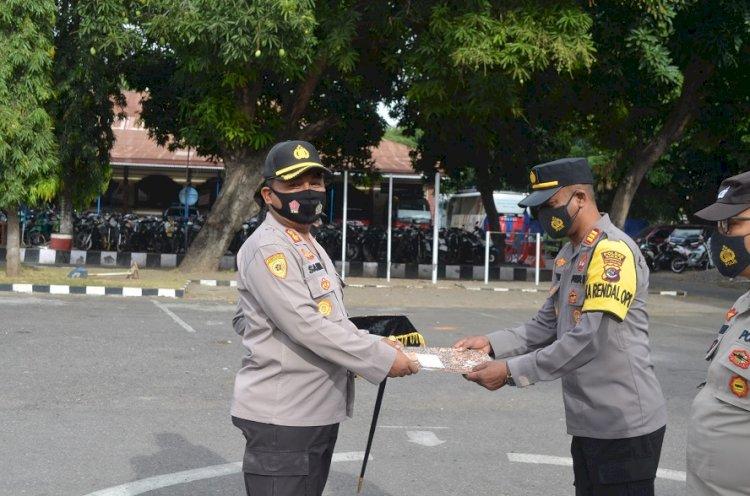 Berdedikasi, Loyal, dan Berprestasi, Keempat Personil Polres Sikka Terima Penghargaan