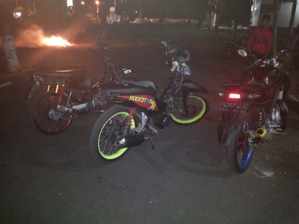 K2YD di Sikka : Polsek Alok Jaring 3 Unit Sepeda Motor Berknalpot Racing