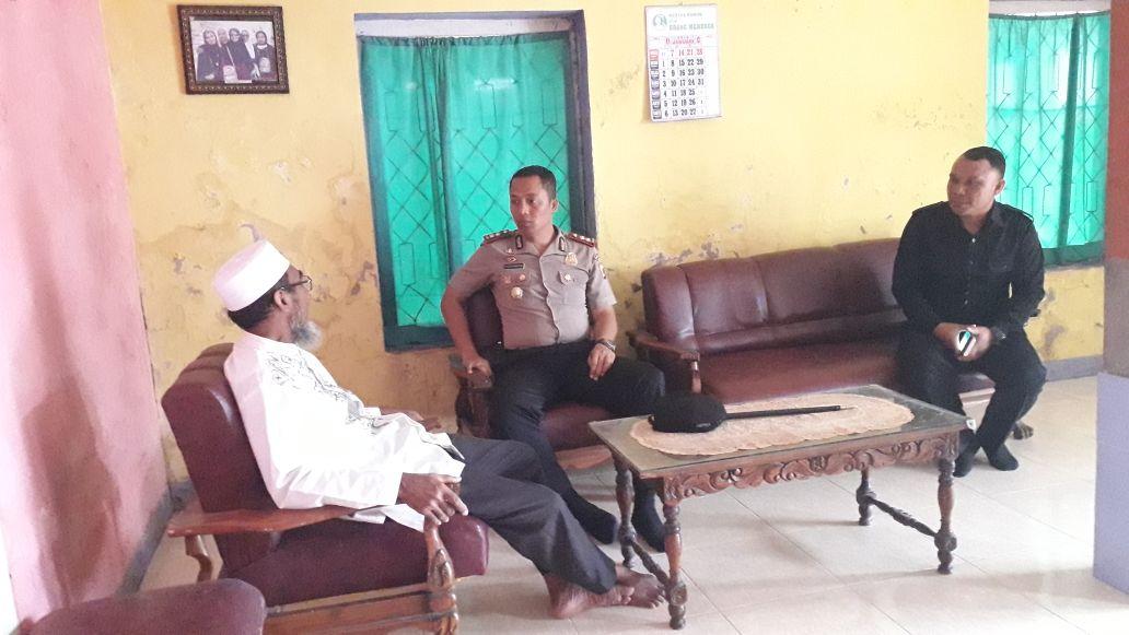 Kapolres Sikka Silaturahmi ke Ketua MUI Sikka Mohon Dukungan dalam Jaga Kamtibmas di Kabupaten Sikka