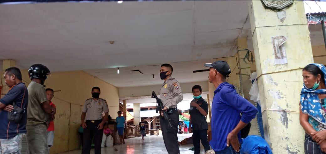 Patroli Cipta Kondisi, Piket SPKT Polsek Kewapante Sambangi Pasar Wairkoja Himbau Cegah Covid-19
